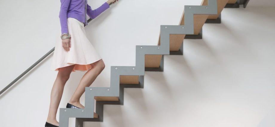 mơ thấy leo nhiều bậc thang